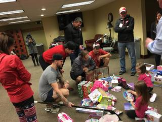 Red Wings, 'Mojo' surprise mom with cancer