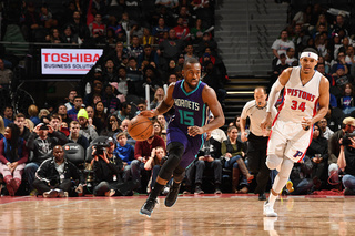 Hornets rally in 4th, but Pistons hold on