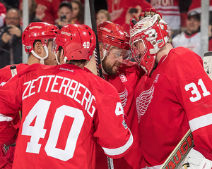 Athanasiou, Red Wings rally to rout Penguins