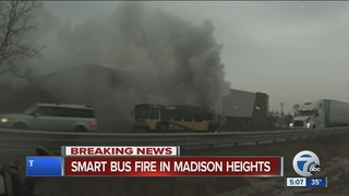Bus fire backs up traffic on I-75 in Oakland Co.
