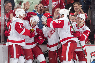 Red Wings overcome slow start to beat Bruins