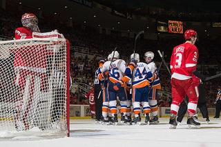 Islanders open road trip with win over Red Wings
