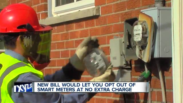 New bill would let you opt out of smart meters at no extra charge