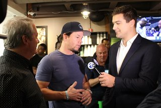 Wahlberg: Brady 'knows who has his' SB jersey