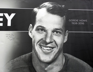 Gordie Howe will soon be off the Stanley Cup