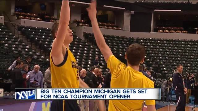 Derrick Walton Jr. wins point guard duel as Michigan's ride continues