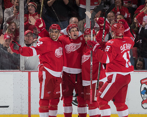 Tatar scores twice; Red Wings rout Avalanche