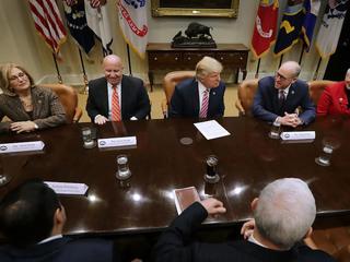 Republicans pull health care bill before vote