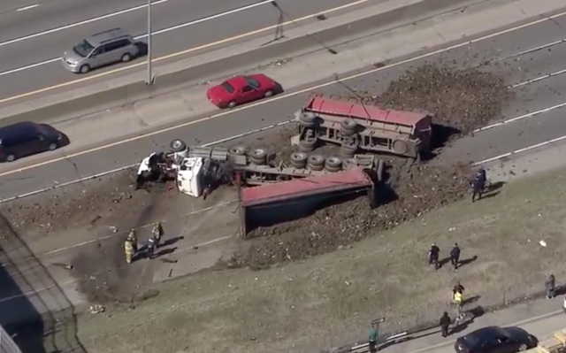 Dump truck spills load on I-75