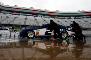 Rain pushes NASCAR race at Bristol to Monday