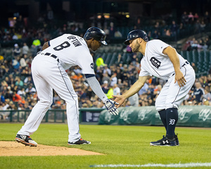 Tigers' offense explodes with 24 hits, 19 runs