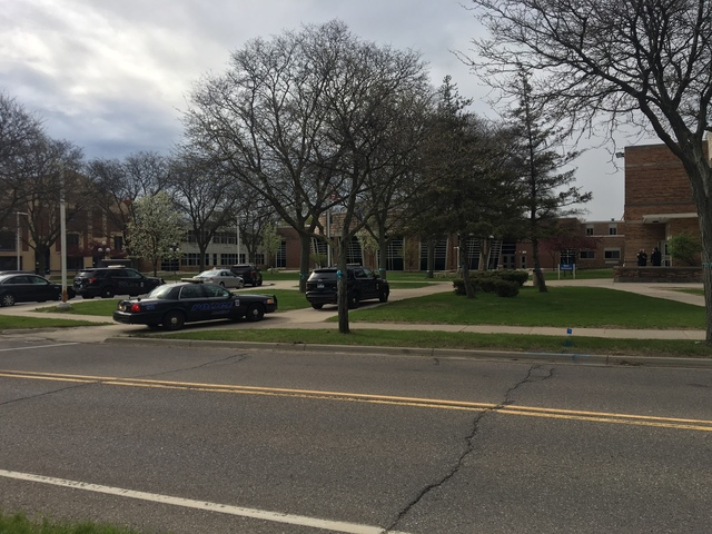 Greenbrier schools evacuated after bomb threat