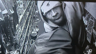 VIDEO: Man breaks into store through roof