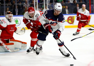 US shuts out Italy for third win at Worlds