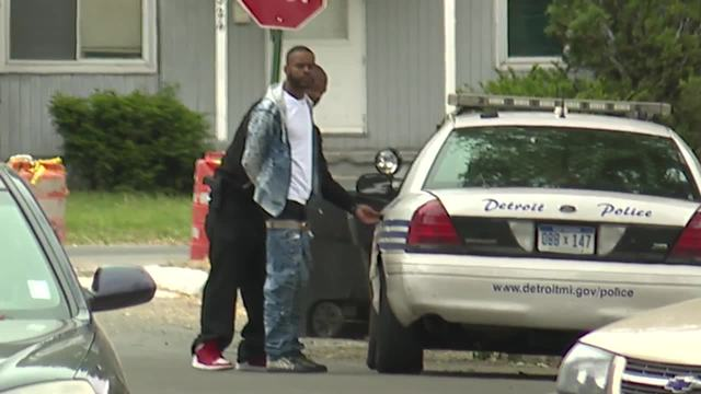 Man arrested after barricaded situation at Detroit home