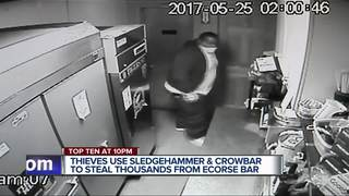 VIDEO: Thieves use tools to rob Ecorse bar