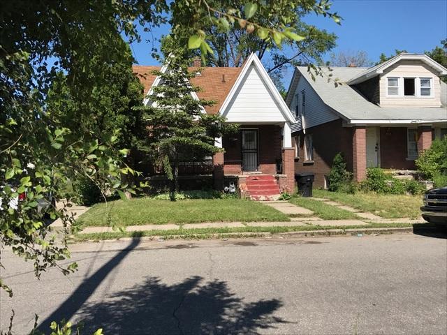Pregnant woman shot 4 times outside Detroit home