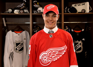 Red Wings prospect shatters glass at camp