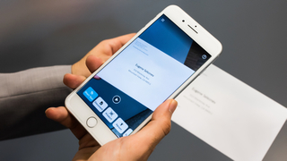 AI-powered app aims to help visually impaired