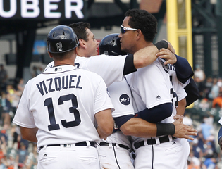 Cabrera's walk in 11th lifts Tigers over Jays