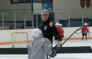 Larkin hosts hockey school at hometown rink