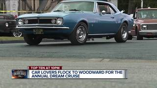 Woodward Avenue packed ahead of Dream Cruise