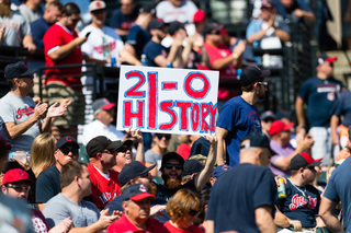 Indians set AL record with 21st straight win