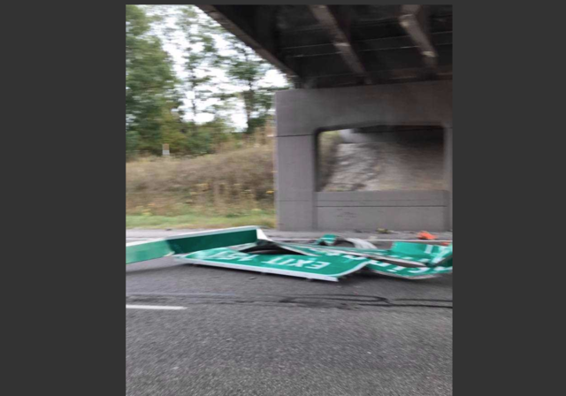 EB I-96 closed in Livingston after semi hits bridge
