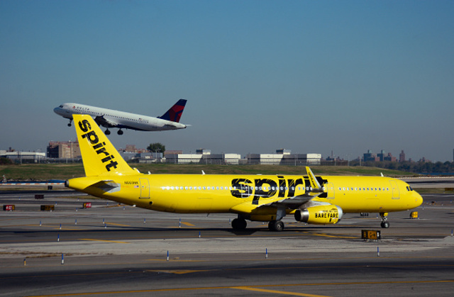 Metro detroit man arrested at laguardia airport after for Spirit airlines new york