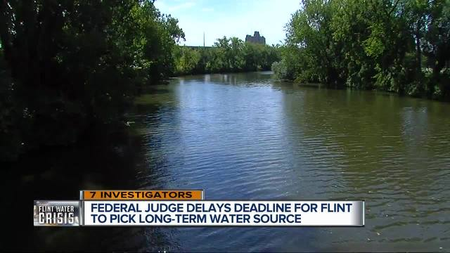 Flint council approves short-term deal for drinking water