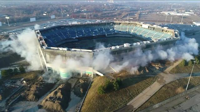 Hulk Hogan calls out the Pontiac Silverdome after it fails to implode