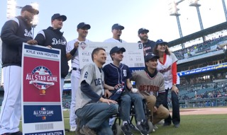 Tigers make a wish come true, send teen to ASG