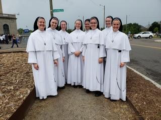 Watch: Nuns serenade Detroit train station