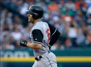 Smith hits emotional homer, White Sox top Tigers