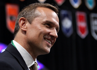 Yzerman 'extremely saddened' by Ilitch death