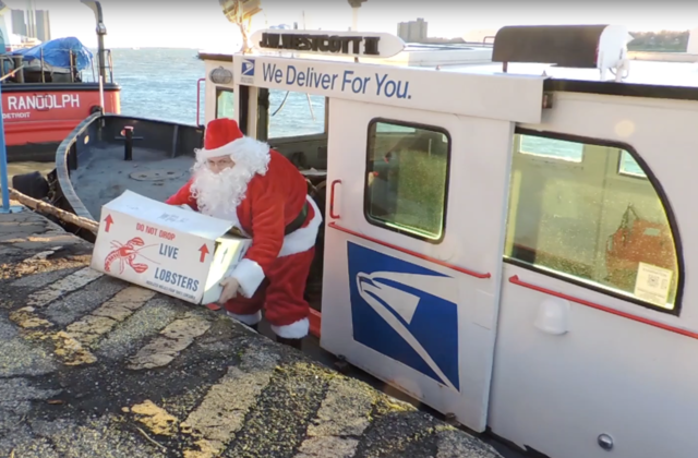 video santa uses detroit river mail boat to take live lobsters to freighter crew on christmas eve - Does Mail Get Delivered On Christmas Eve