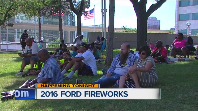Thousands head to downtown and Belle Isle for Detroit fireworks ...