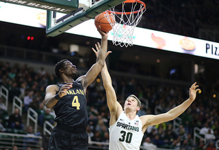 Hayes scores 30, Oakland beats Chicago State