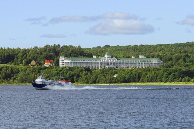 wxyz.com - Mackinac Island saw big tourism rebound during 2021 season