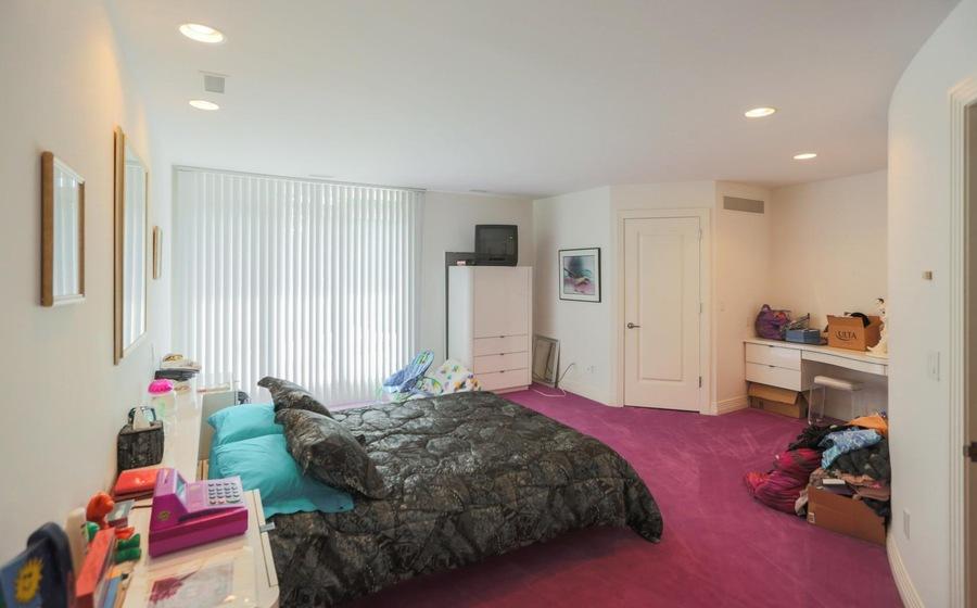 PHOTOS: Michigan mansion listing featuring 90s interior ...
