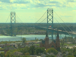Traffic resumes on Ambassador Bridge