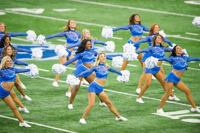 the lions cheerleaders come - photo #31