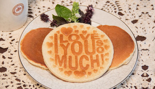 Canton mom creates special pancake molds