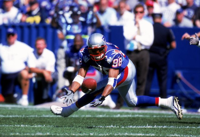 Former Patriots receiver Terry Glenn dies in auto accident