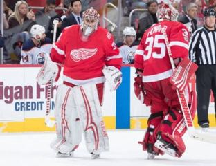 Howard pulled in Red Wings' loss to Oilers