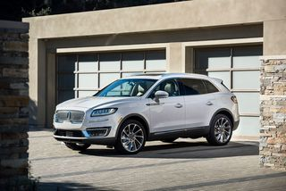 Lincoln unveils new Nautilus midsize SUV