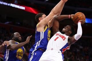 Jackson forces shot late, Warriors beat Pistons