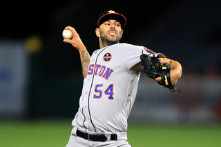 Tigers sign RHP Mike Fiers