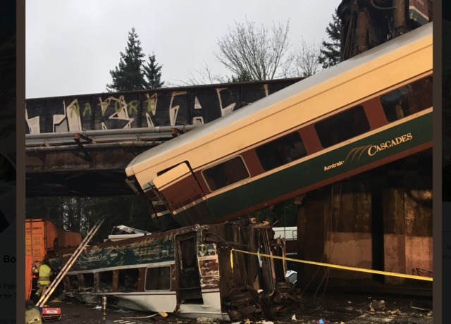 Amtrak train derails in Washington