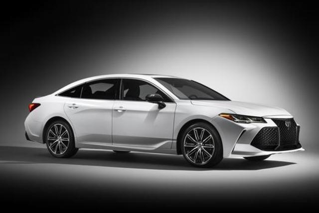2019 Toyota Avalon Unveiled At Detroit Auto Show
